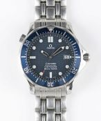 A GENTLEMAN'S STAINLESS STEEL OMEGA SEAMASTER PROFESSIONAL 300M CHRONOMETER BRACELET WATCH DATED