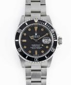 A GENTLEMAN'S STAINLESS STEEL ROLEX OYSTER PERPETUAL DATE SUBMARINER BRACELET WATCH CIRCA 1984, REF.