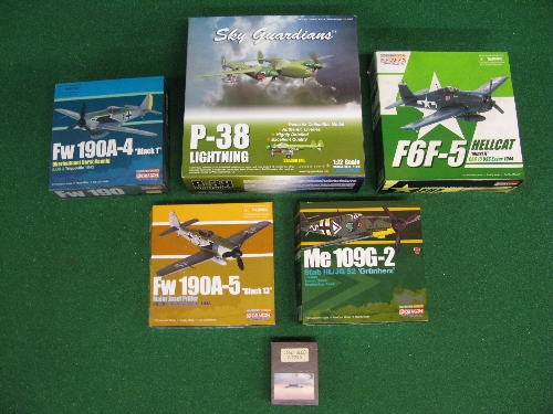 Five boxed 1:72 scale diecast propeller plane models to comprise: Hellcat, Lightning, two FW190 - Image 2 of 2