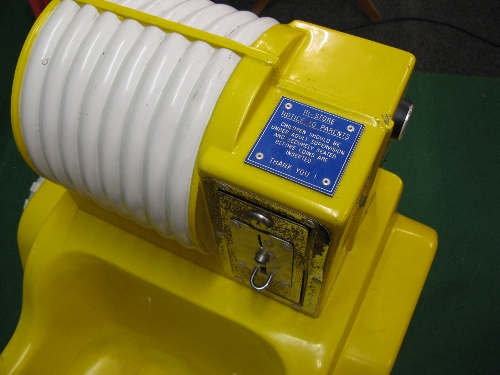 240 volt coin operated fibreglass childs Rough Rider jeep ride in yellow and red with flashing - Image 3 of 3
