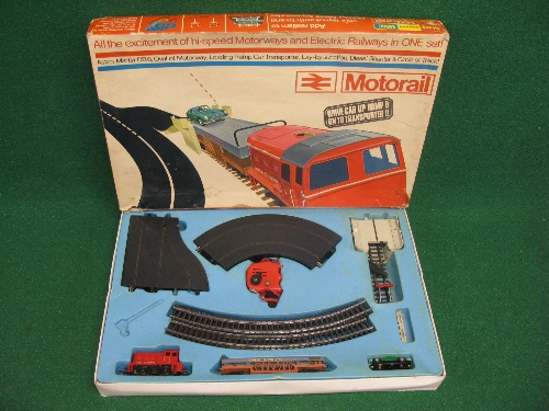 Triang/Hornby/Minic boxed Motorail set containing: oval and layby of road way, circle of track (