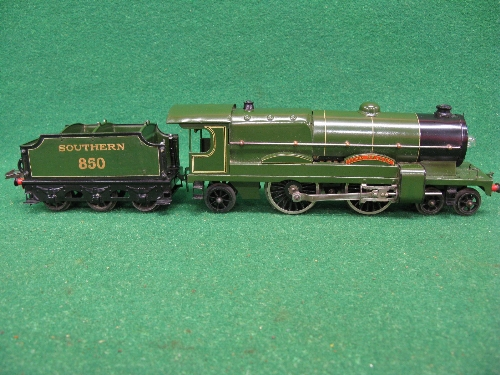 Mid 1930's Hornby O gauge No. 3 20 volt 4-4-2 tender locomotive No. 850 Lord Nelson in lined