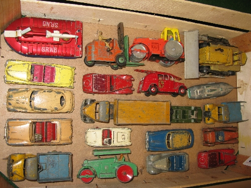 Box of approx twenty Dinky diecast vehicles to include: lorries, rollers, cars, bulldozer, Mini- - Image 2 of 2