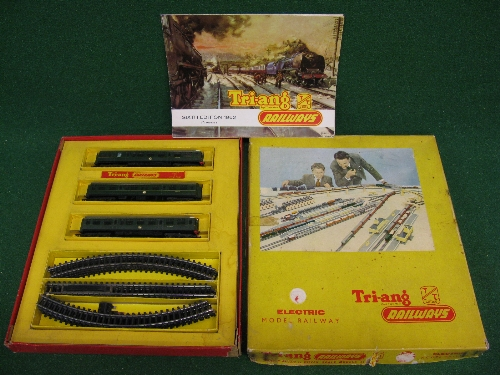 Triang TT, rare 3 car DMU train set, boxed with 1962 TT catalogue Please note descriptions are not