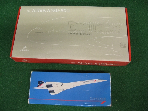 """Unmade 1:200 scale plastic kit of an Airbus A380-800 in Emirates livery with stand and badge - 14"""" - Image 2 of 2"""