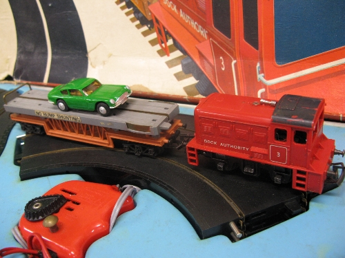 Triang/Hornby/Minic boxed Motorail set containing: oval and layby of road way, circle of track ( - Image 2 of 2