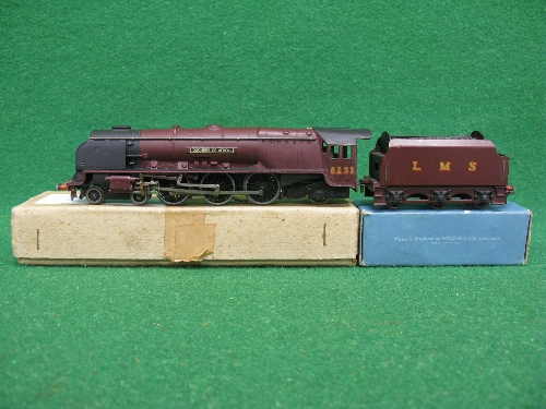 Hornby Dublo EDL2 3 Rail locomotive and tender No. 6231 Duchess Of Atholl in plain LMS maroon ( - Image 2 of 3
