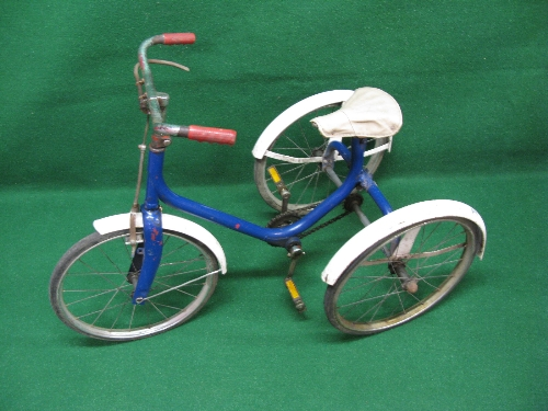 """An Unnamed all metal child's tricycle with sold tyred 16"""" dia wheels Please note descriptions are - Image 2 of 2"""