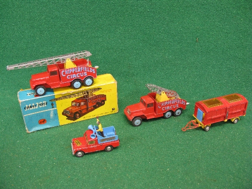 1960's Corgi Chipperfields Circus items to comprise: crane truck (missing hook) in rough 1121 lidded