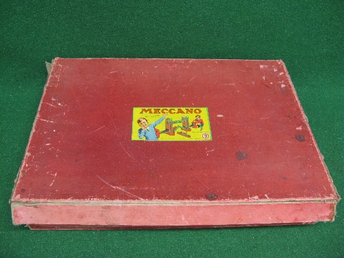 1950 boxed Meccano Set No. 9 with instructions for Outfit 9 and possibly a few extra parts (parts in - Image 2 of 5