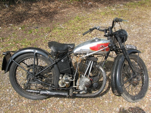 1935 Excelsior motorcycle. Registration No. BOJ 781. 149cc OHV four stroke with Burman hand change - Image 5 of 7
