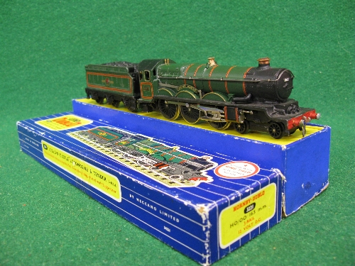 1961 or 1962 Hornby Dublo 3221 3 Rail locomotive and tender No. 5002 Ludlow Castle in late BR