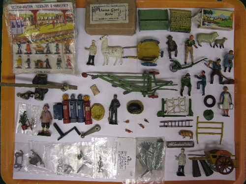 Tray of diecast farm, road and rail figures and accessories to include: village idiot, children on - Image 2 of 2