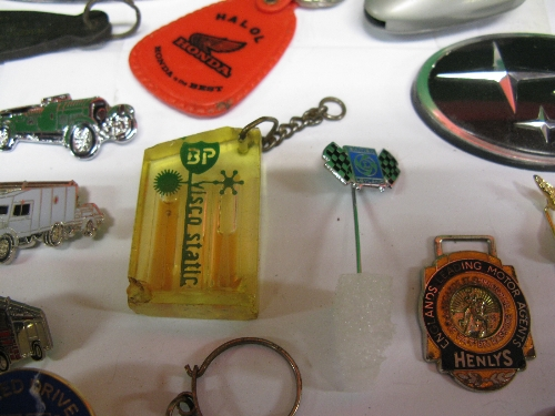 Tray of motoring related pin badges, keyring, manufacturers logo's etc Please note descriptions - Image 2 of 2