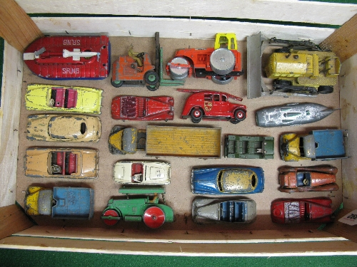 Box of approx twenty Dinky diecast vehicles to include: lorries, rollers, cars, bulldozer, Mini-
