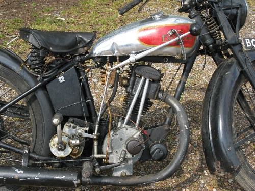 1935 Excelsior motorcycle. Registration No. BOJ 781. 149cc OHV four stroke with Burman hand change - Image 6 of 7