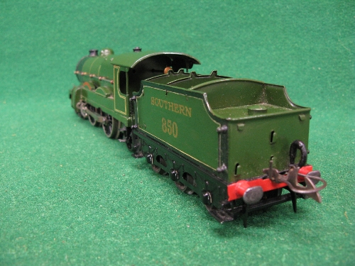 Mid 1930's Hornby O gauge No. 3 20 volt 4-4-2 tender locomotive No. 850 Lord Nelson in lined - Image 4 of 5