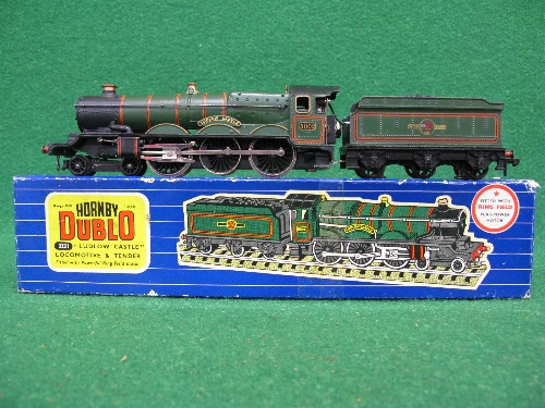 1961 or 1962 Hornby Dublo 3221 3 Rail locomotive and tender No. 5002 Ludlow Castle in late BR - Image 2 of 3