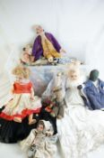 Quantity of various 20th dolls to include bisque, plastic and cloth examples, featuring Jays of