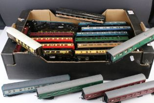 Collection 35 OO gauge items of rolling stock, all coaches and carriages to include mainly Triang
