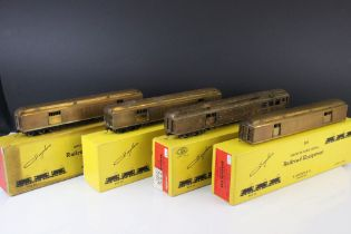 Four boxed E Suydam & Co HO Railroad Equipment RR-5 Baggage Car brass models, one without bogies,