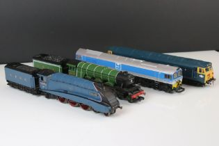 Four OO gauge locomotives to include 3 x Hornby (Flying Scotsman, Yeoman Kenneth J Painter &