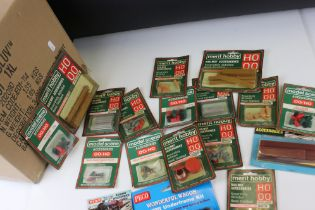 Model Railway - Collection of carded and boxed accessories to include Merit, Peco and Hornby