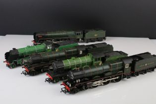 Five OO gauge locomotives with tenders (some unrelated) to include Hornby Stowe 4-4-0, Hornby King