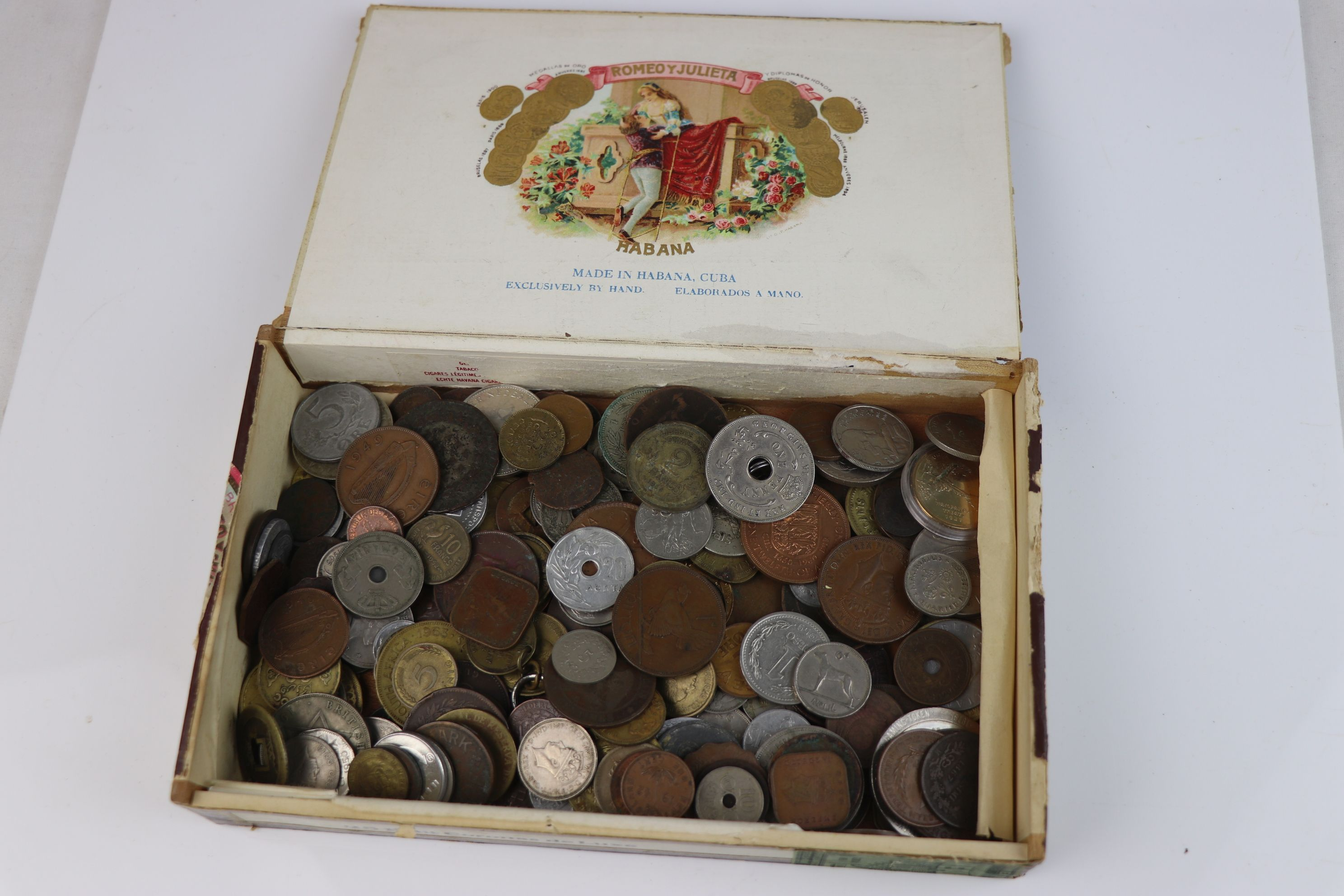 A collection of mixed 19th and 20th century British and world coins.