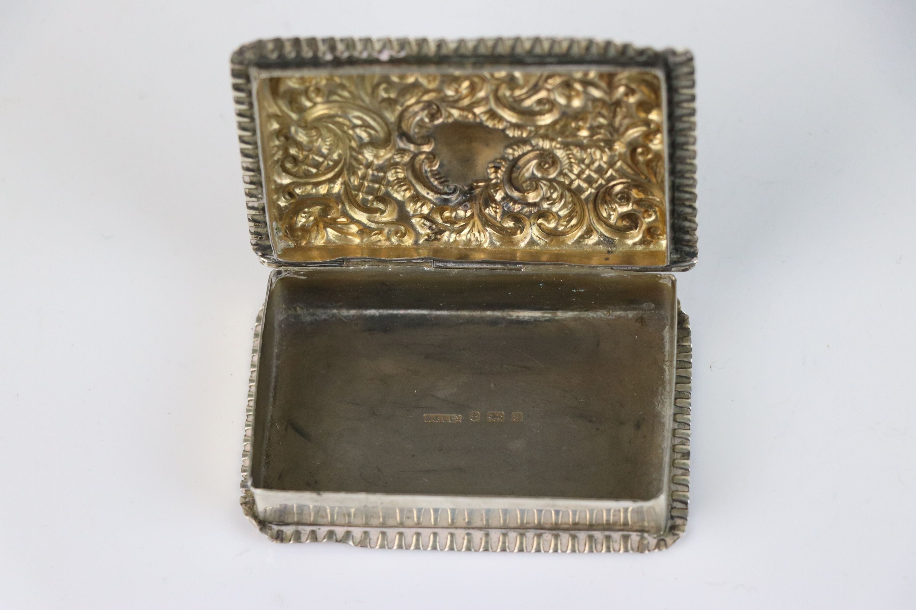 A fully hallmarked sterling silver snuff box, maker marked for Adie & Lovekin Ltd, assay marked - Image 4 of 6