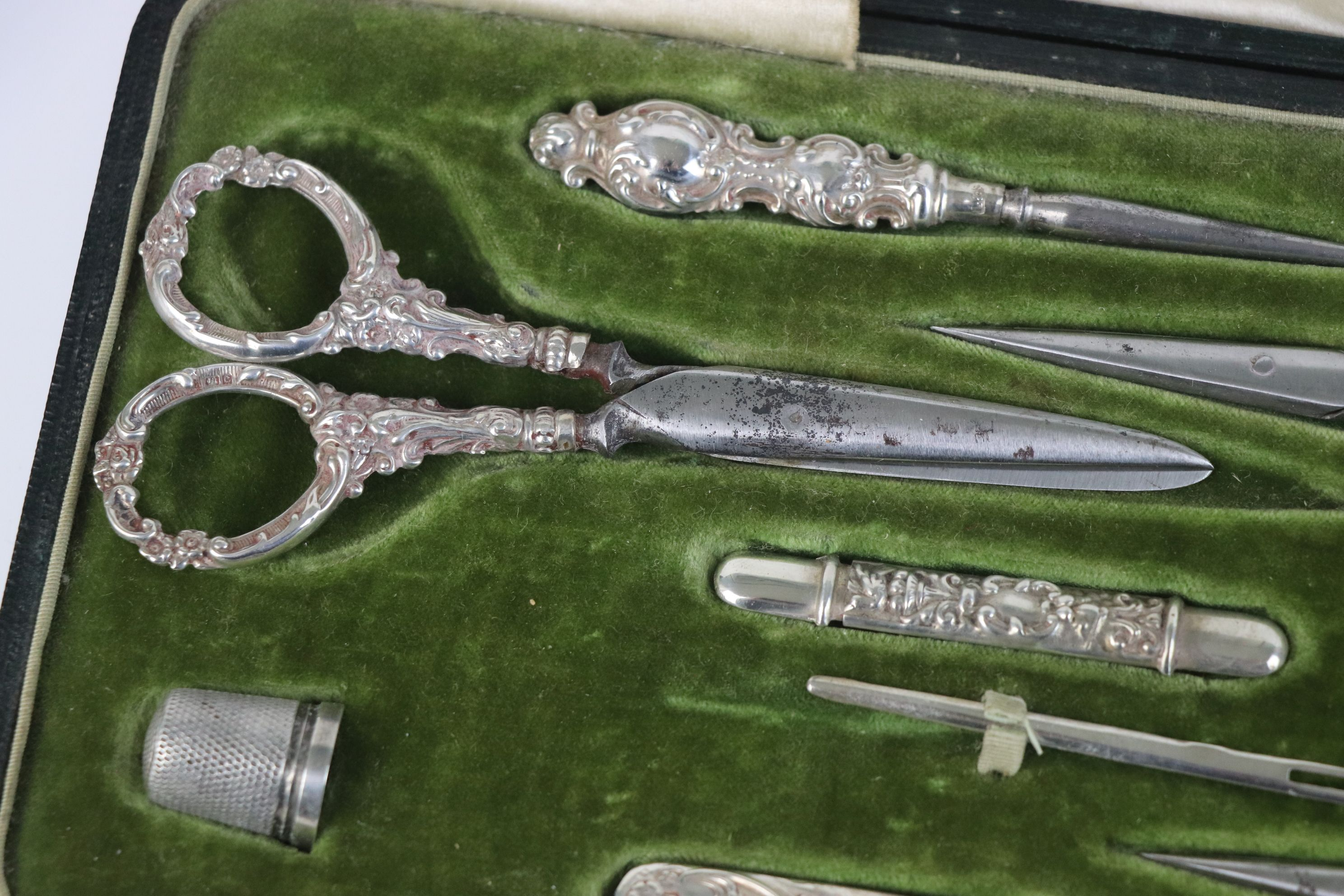 A fully hallmarked sterling silver cased sewing set, maker marked for Levi & Salaman, assay marked - Image 3 of 8