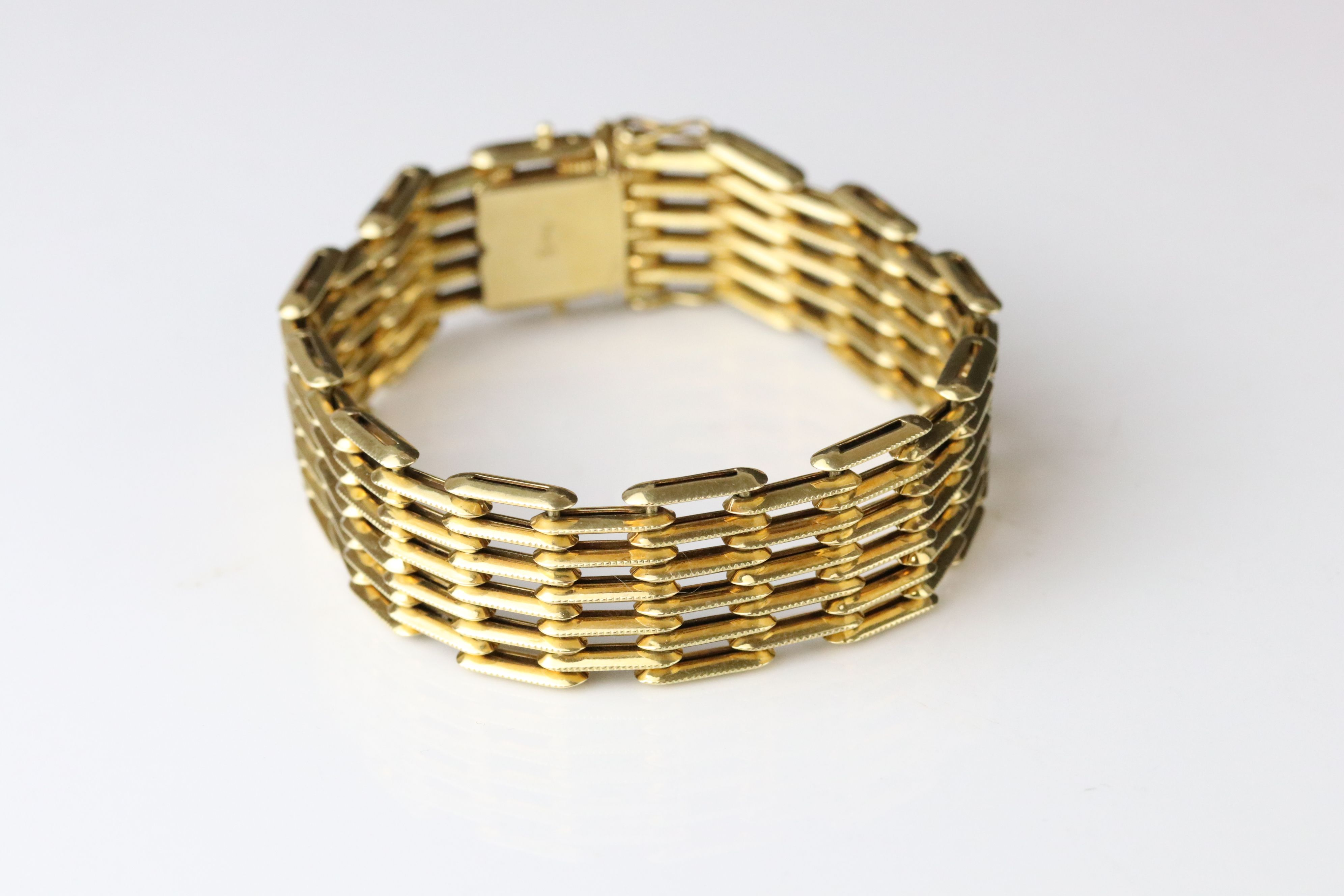 18ct yellow gold gate link style bracelet, tongue and box clasp, length approx 19cm