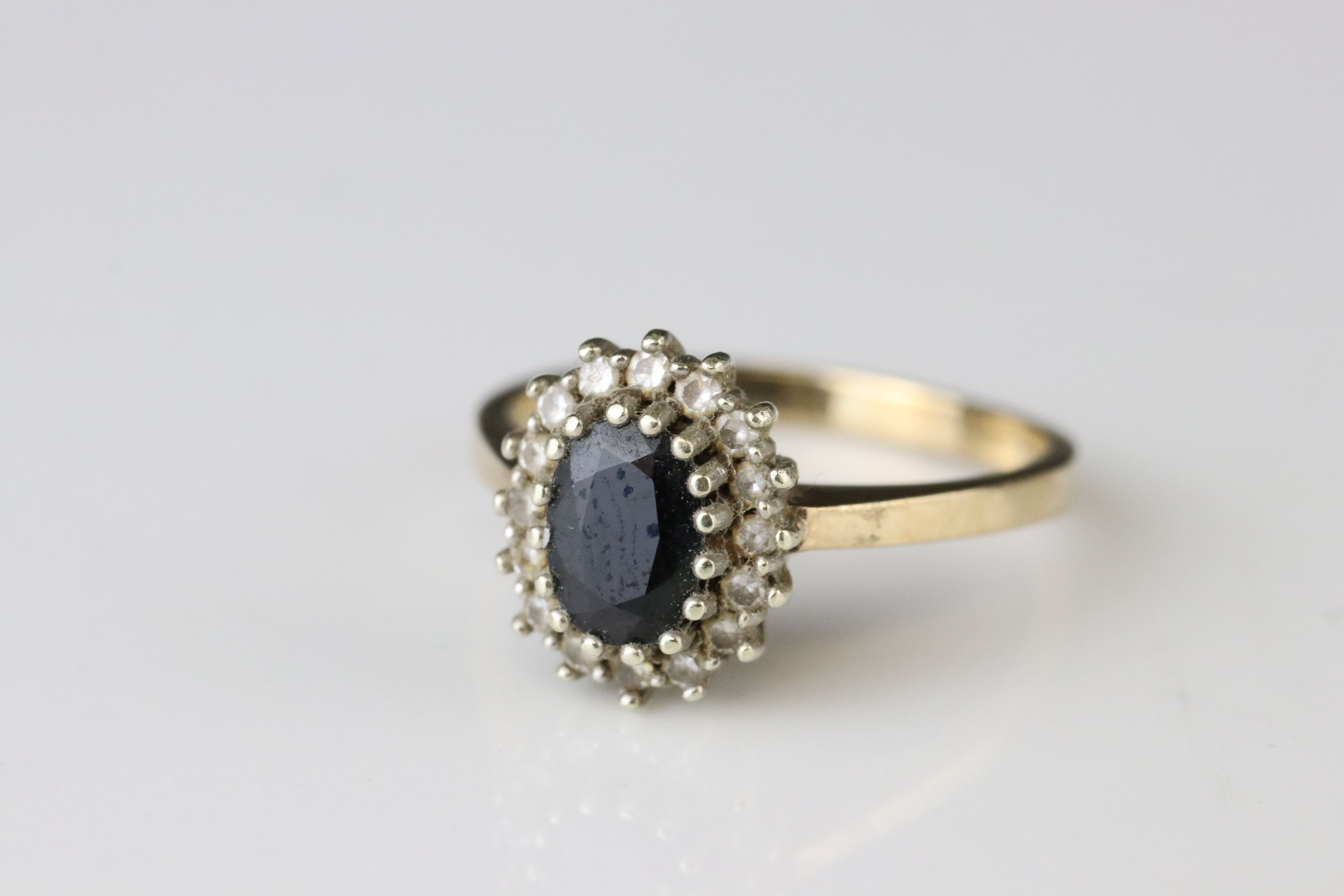 Sapphire 9ct yellow gold cluster ring, together with black sapphire and white stone 9ct yellow - Image 5 of 5