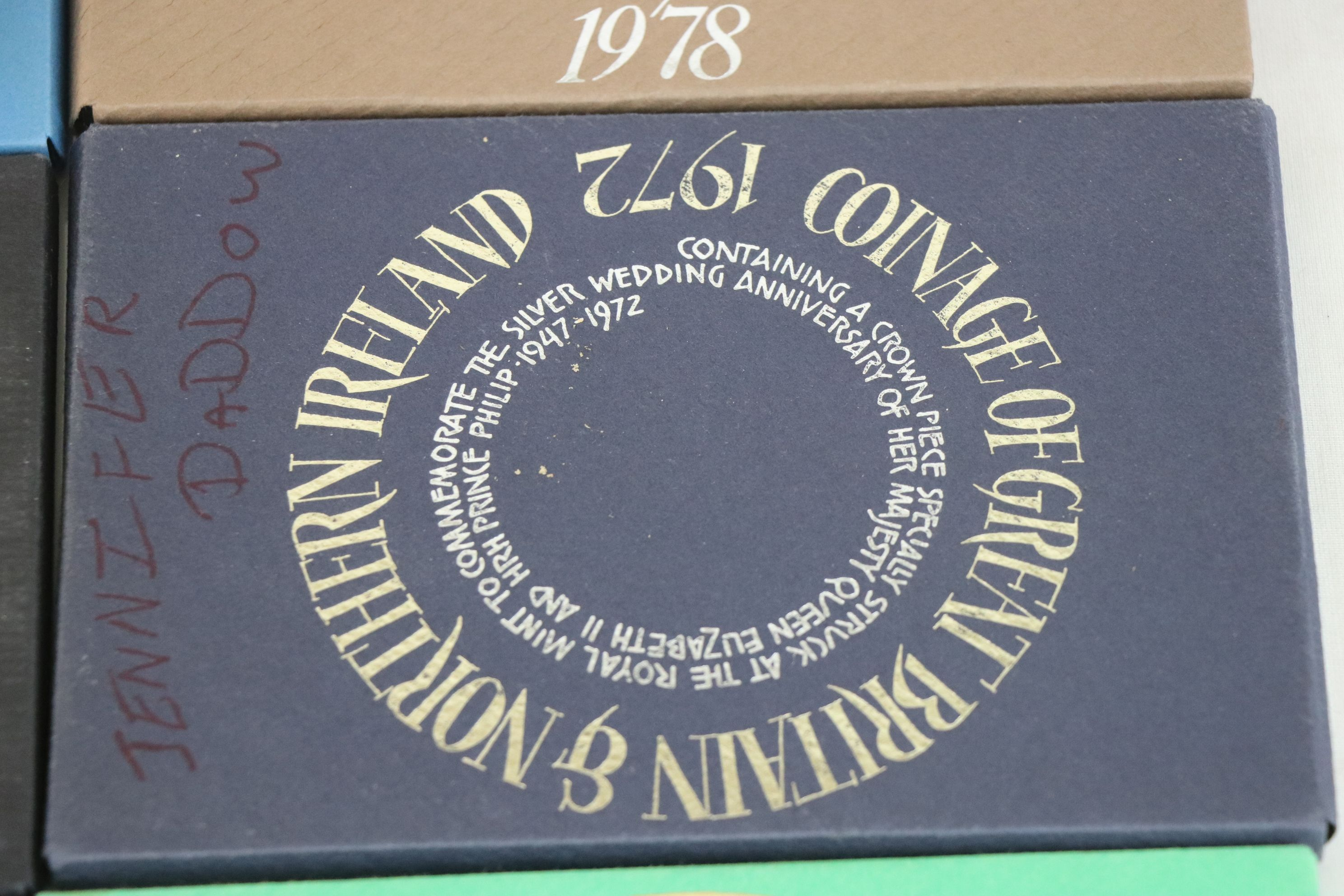 A collection of eleven Royal Mint coinage of Great Britain and Northern Ireland year sets to include - Image 6 of 13