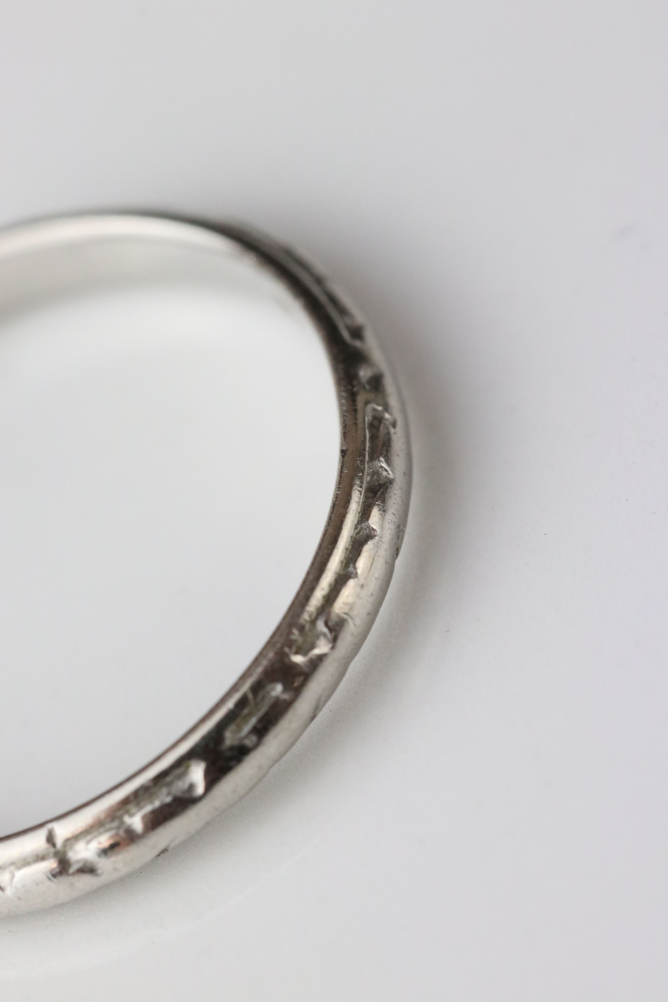 Platinum wedding band, worn foliate design, width approx 2.5mm, ring size M - Image 4 of 4
