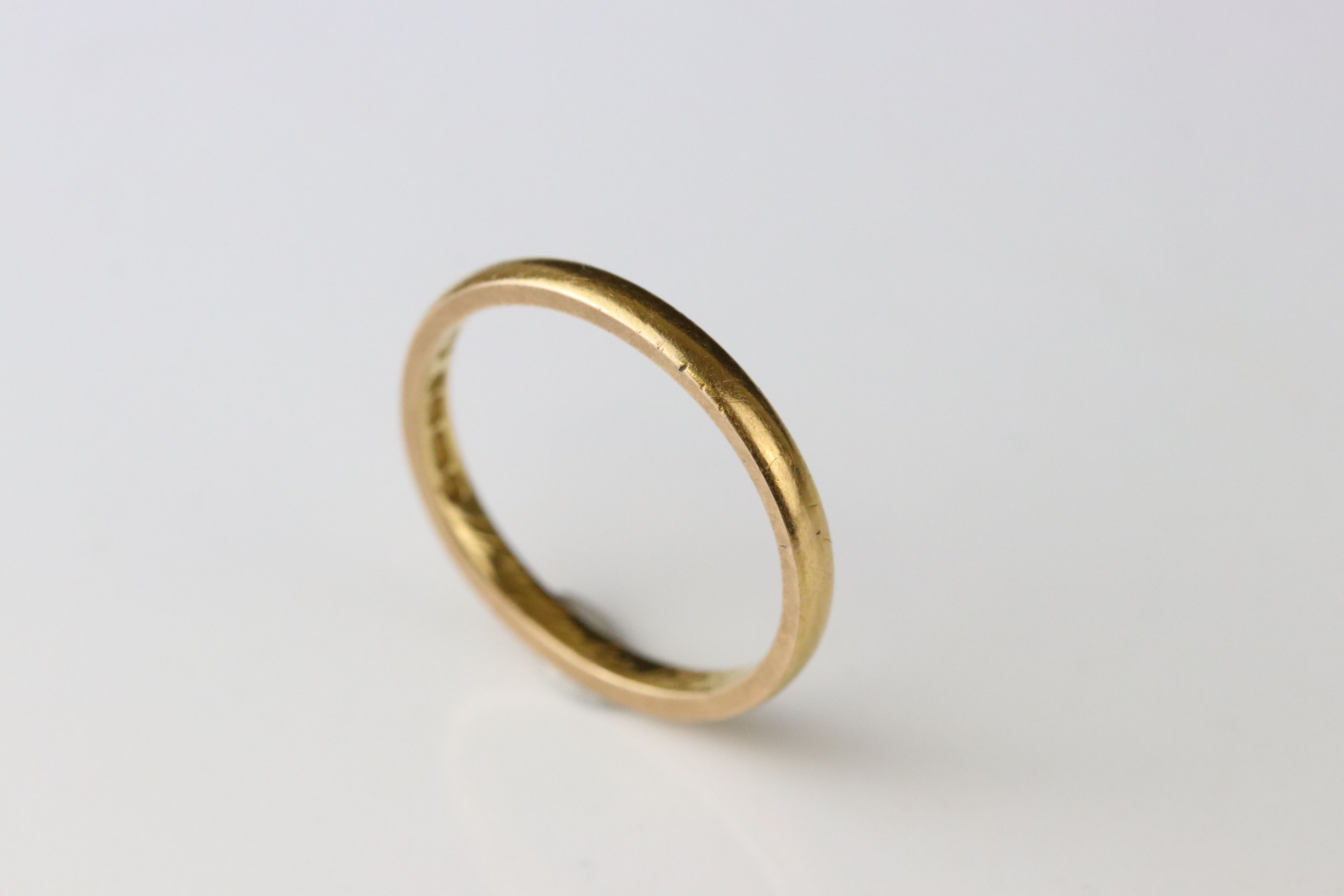 22ct yellow gold wedding band, personalisation to inner shank, width approx 2mm, ring size Q