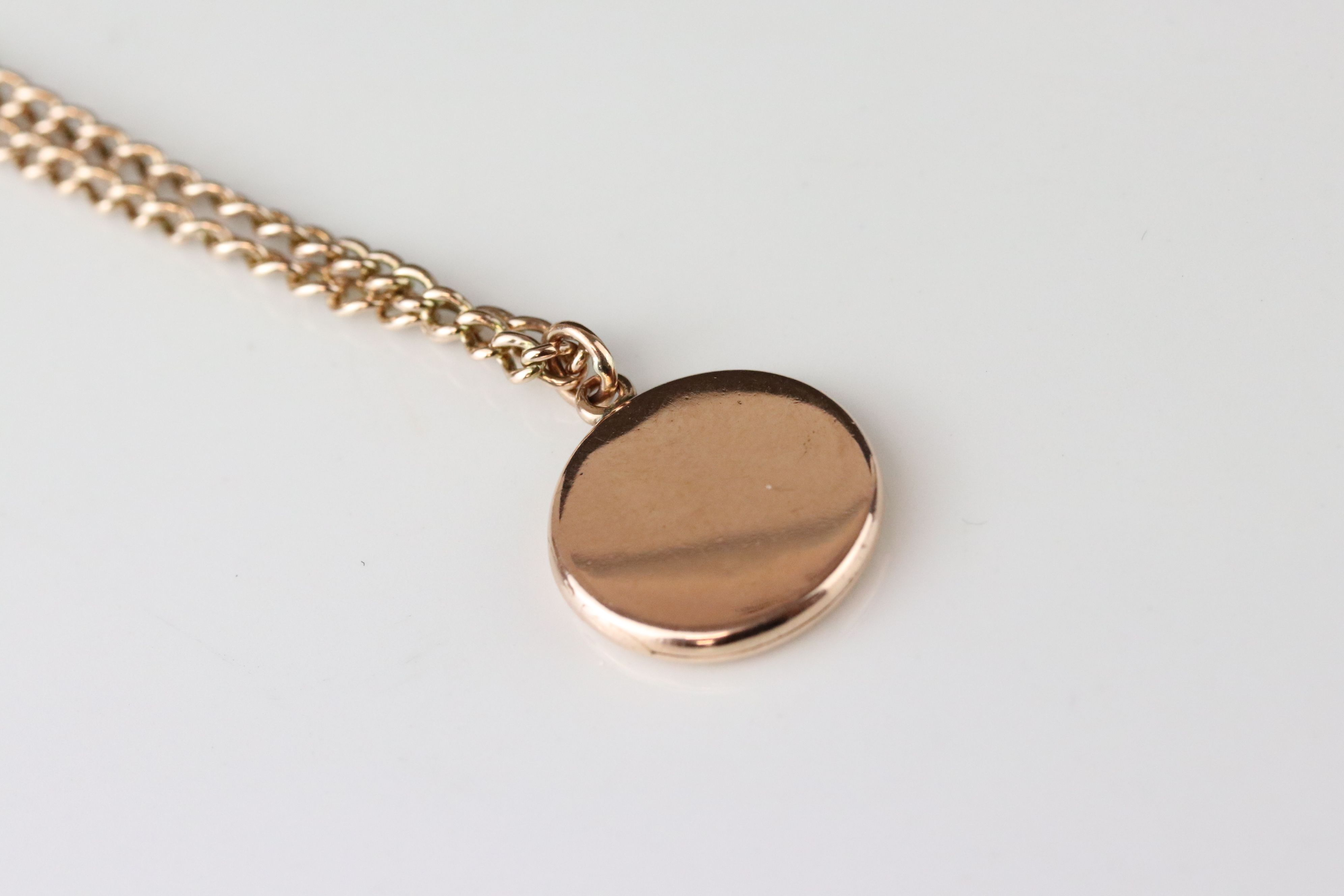 10ct yellow gold locket pendant engraved Beryl, containing hair to glazed compartment, on 9ct rose - Image 3 of 3