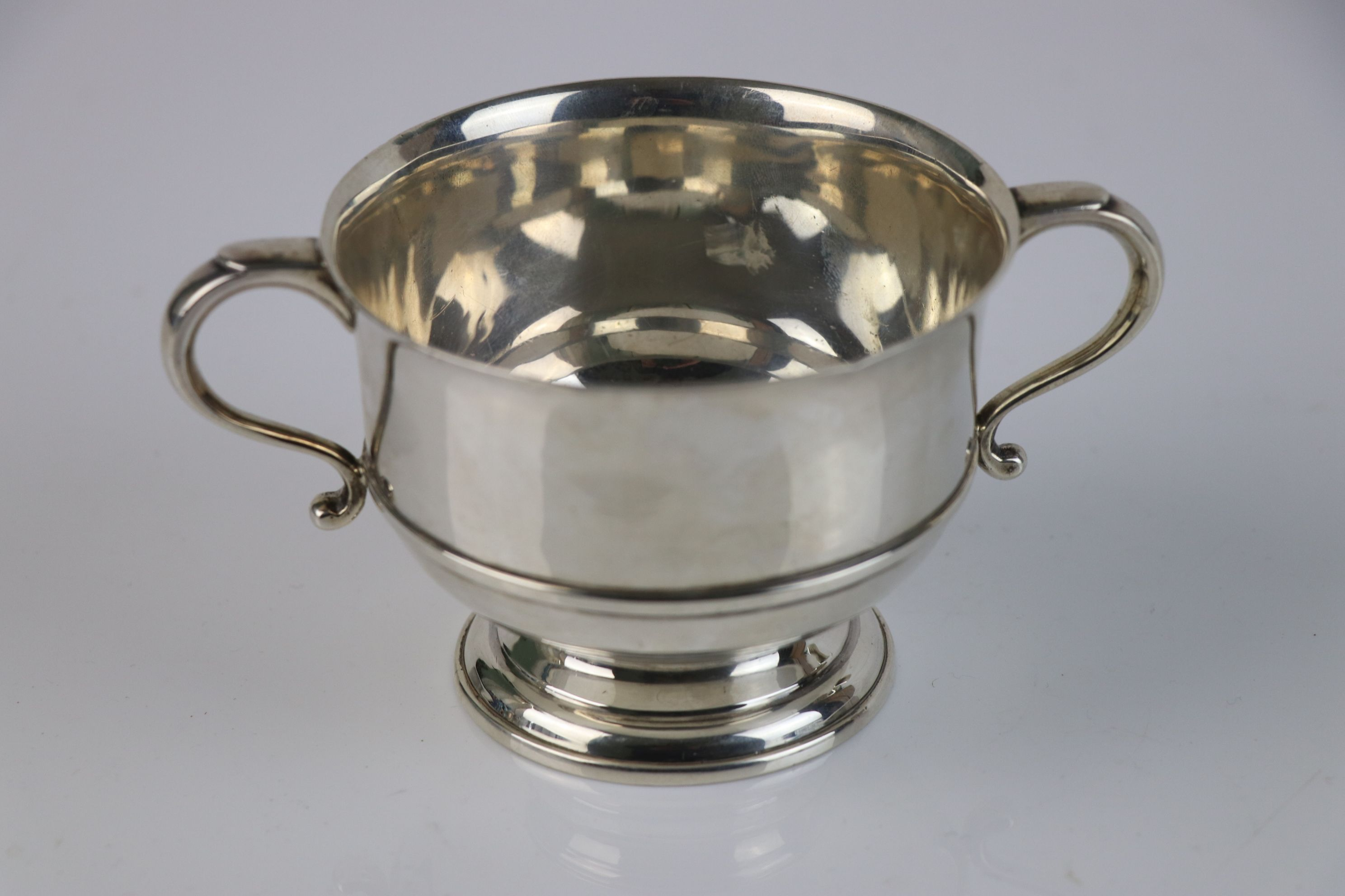 A fully hallmarked sterling silver porringer, maker marked for Mappin & Webb, assay marked for - Image 2 of 5