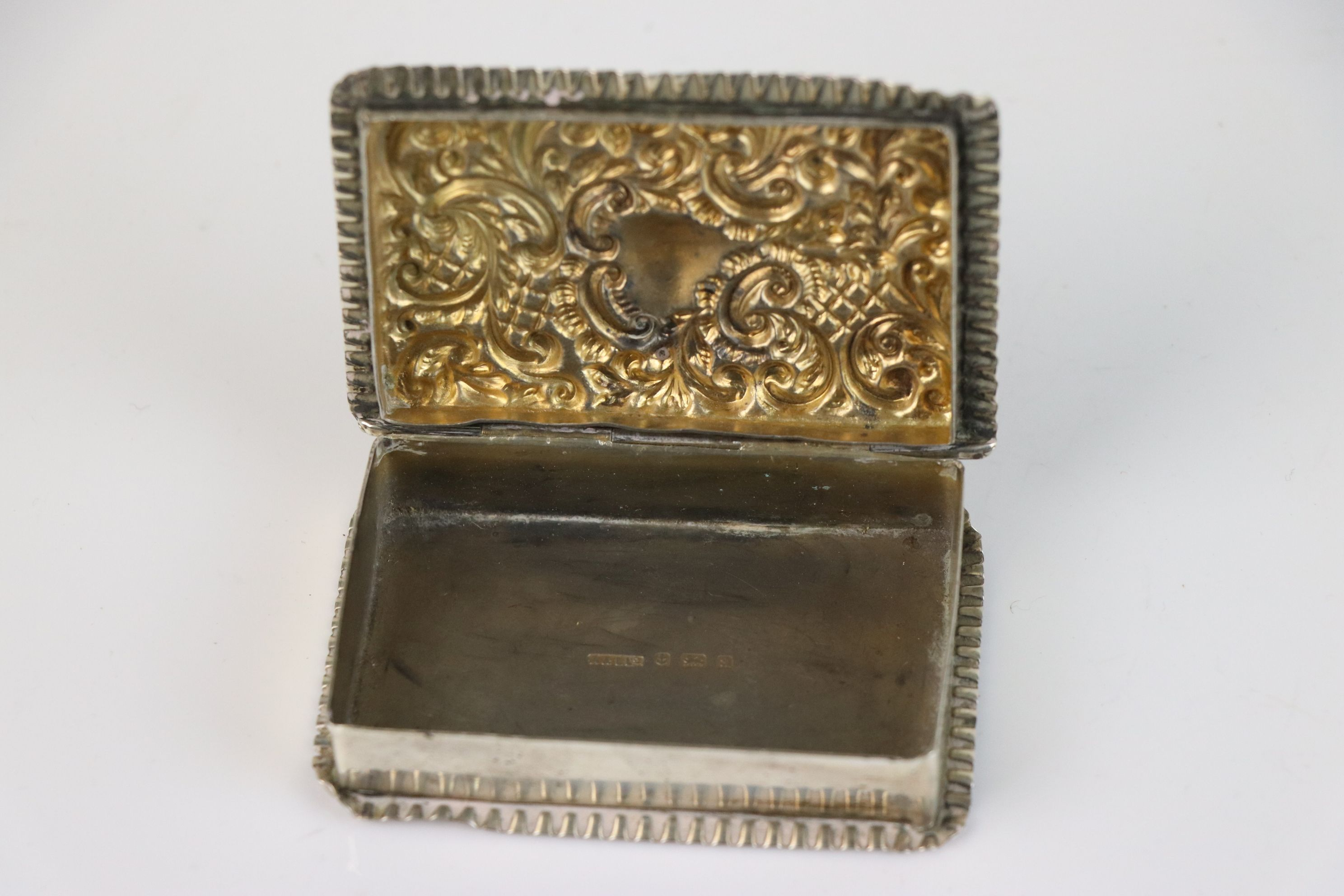 A fully hallmarked sterling silver snuff box, maker marked for Adie & Lovekin Ltd, assay marked - Image 6 of 6