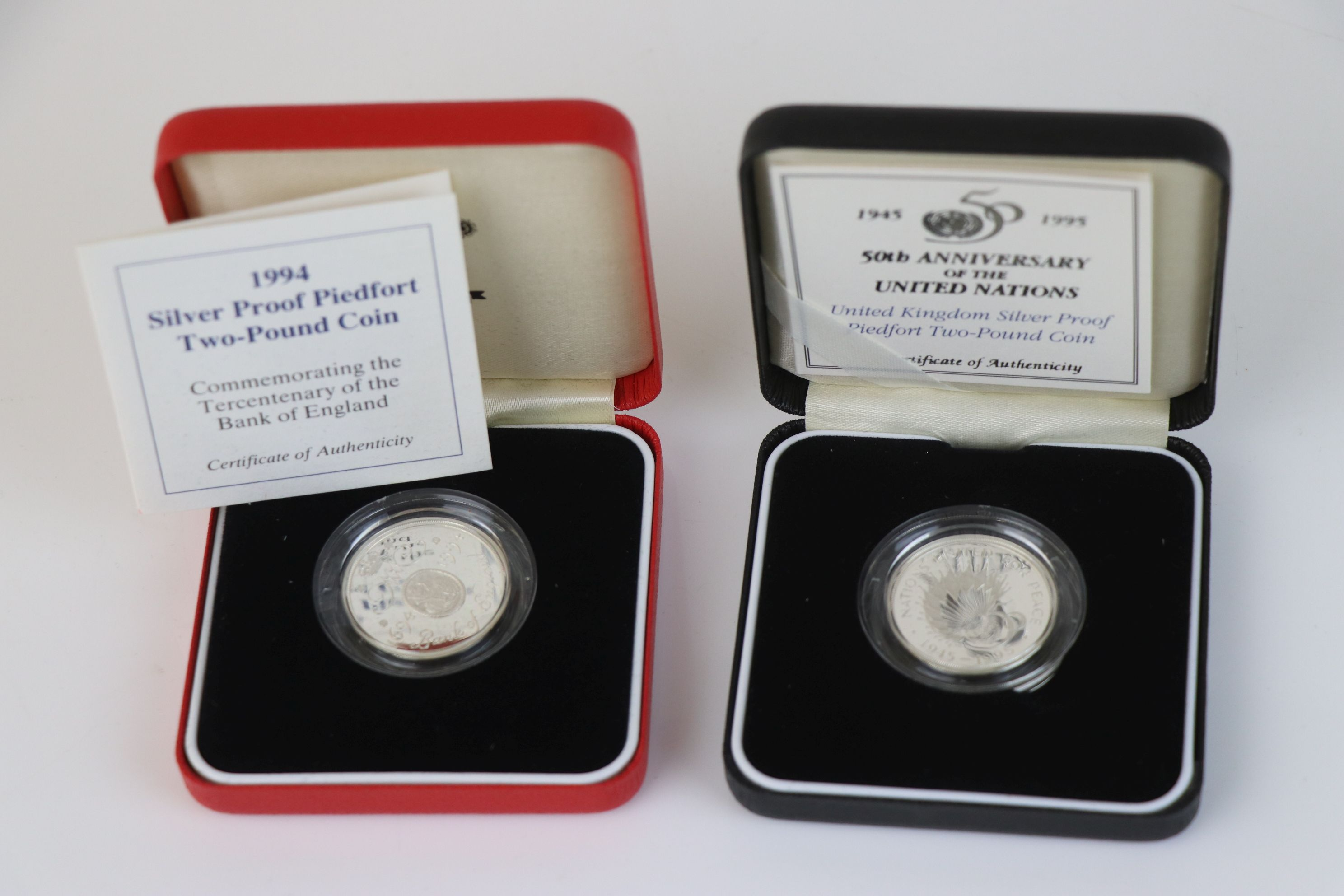 A cased Royal Mint 1994 silver proof Piedfort £2 coin commemorating the Tercentenary of the Bank - Image 2 of 5