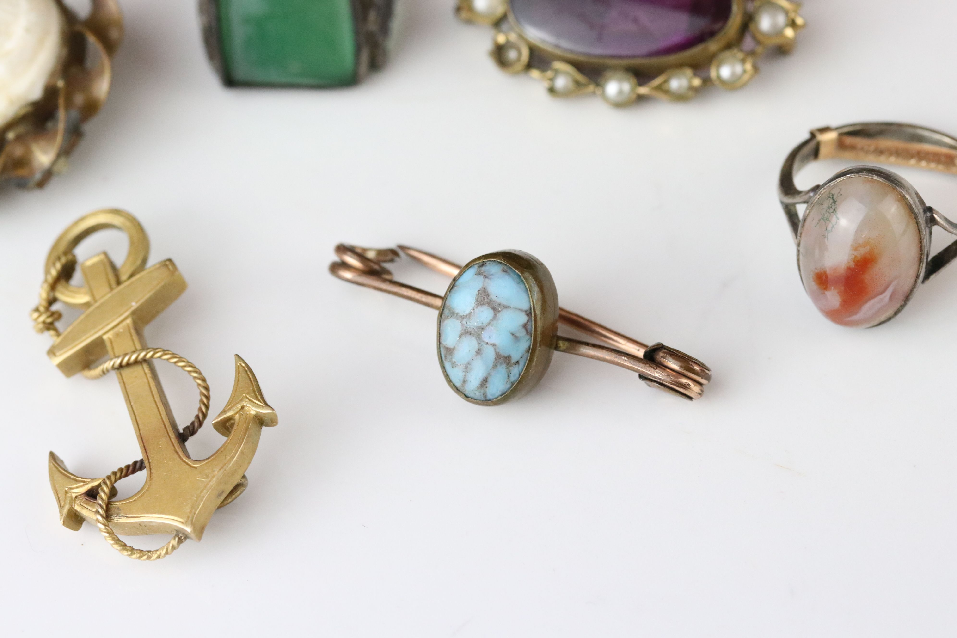 Collection of Victorian and later costume jewellery to include large knot brooch; three stone - Image 3 of 13