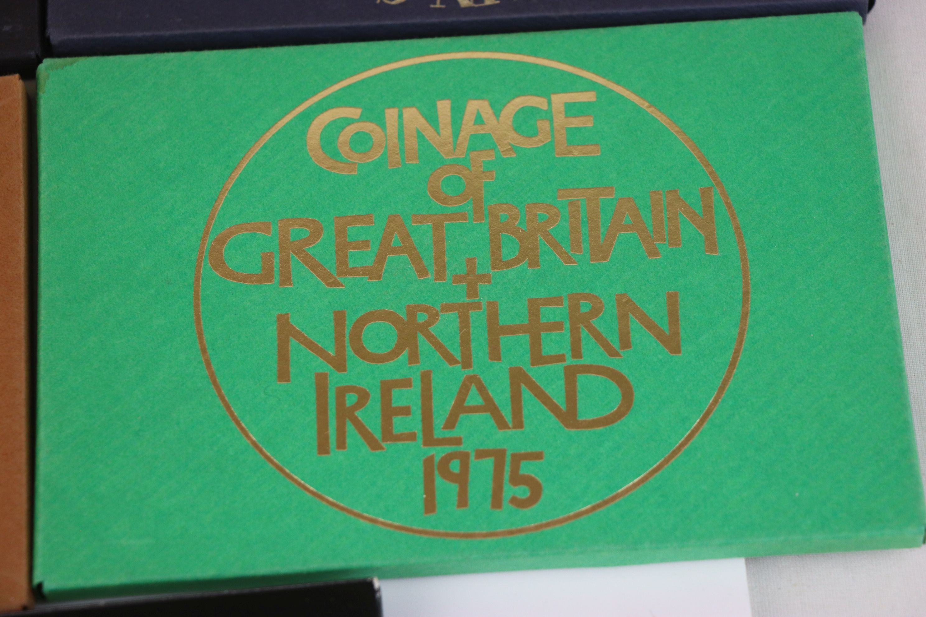 A collection of eleven Royal Mint coinage of Great Britain and Northern Ireland year sets to include - Image 11 of 13