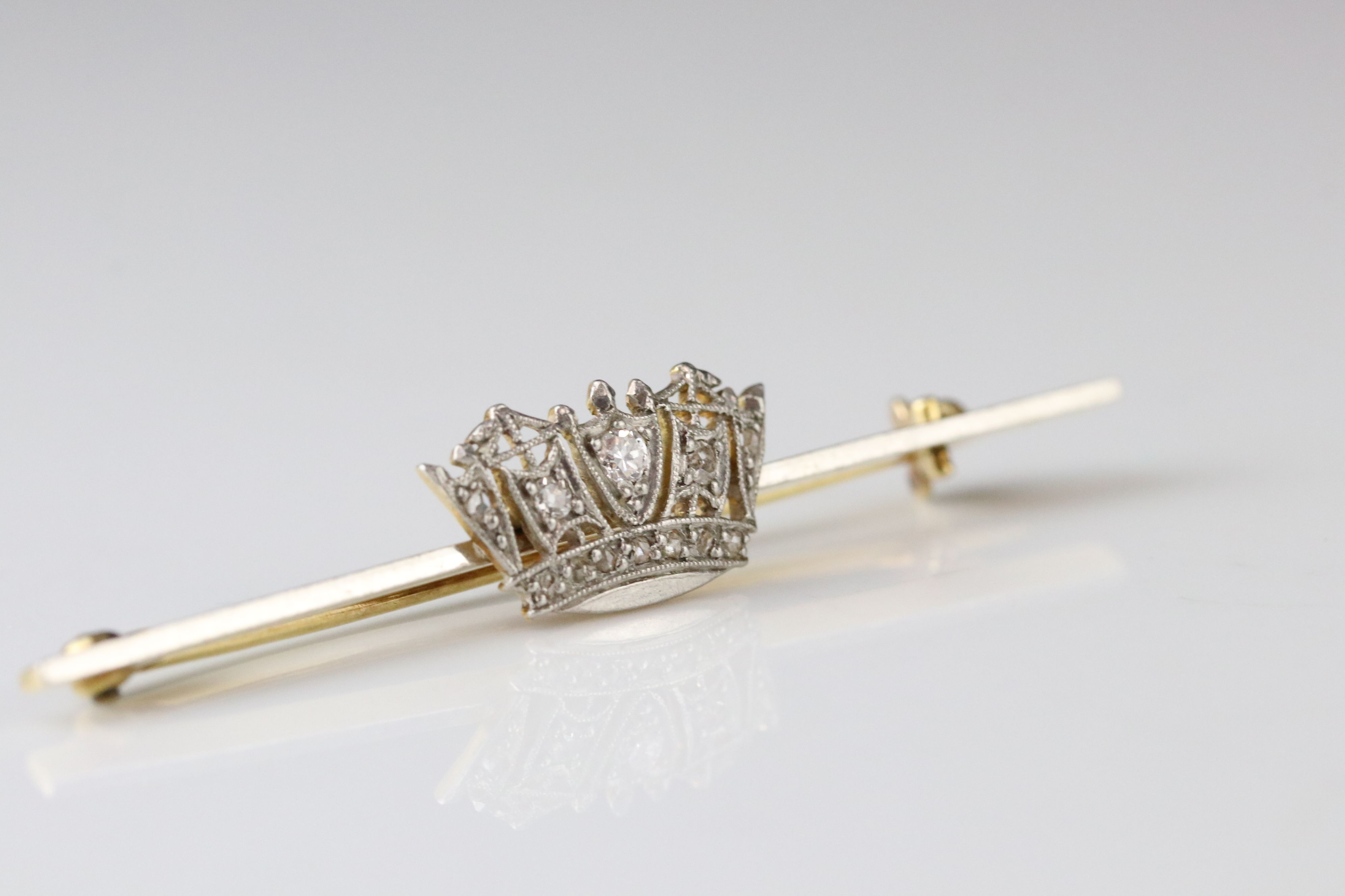 Diamond 18ct yellow gold platinum set Merchant Navy sweetheart brooch, a small round brilliant cut - Image 3 of 5