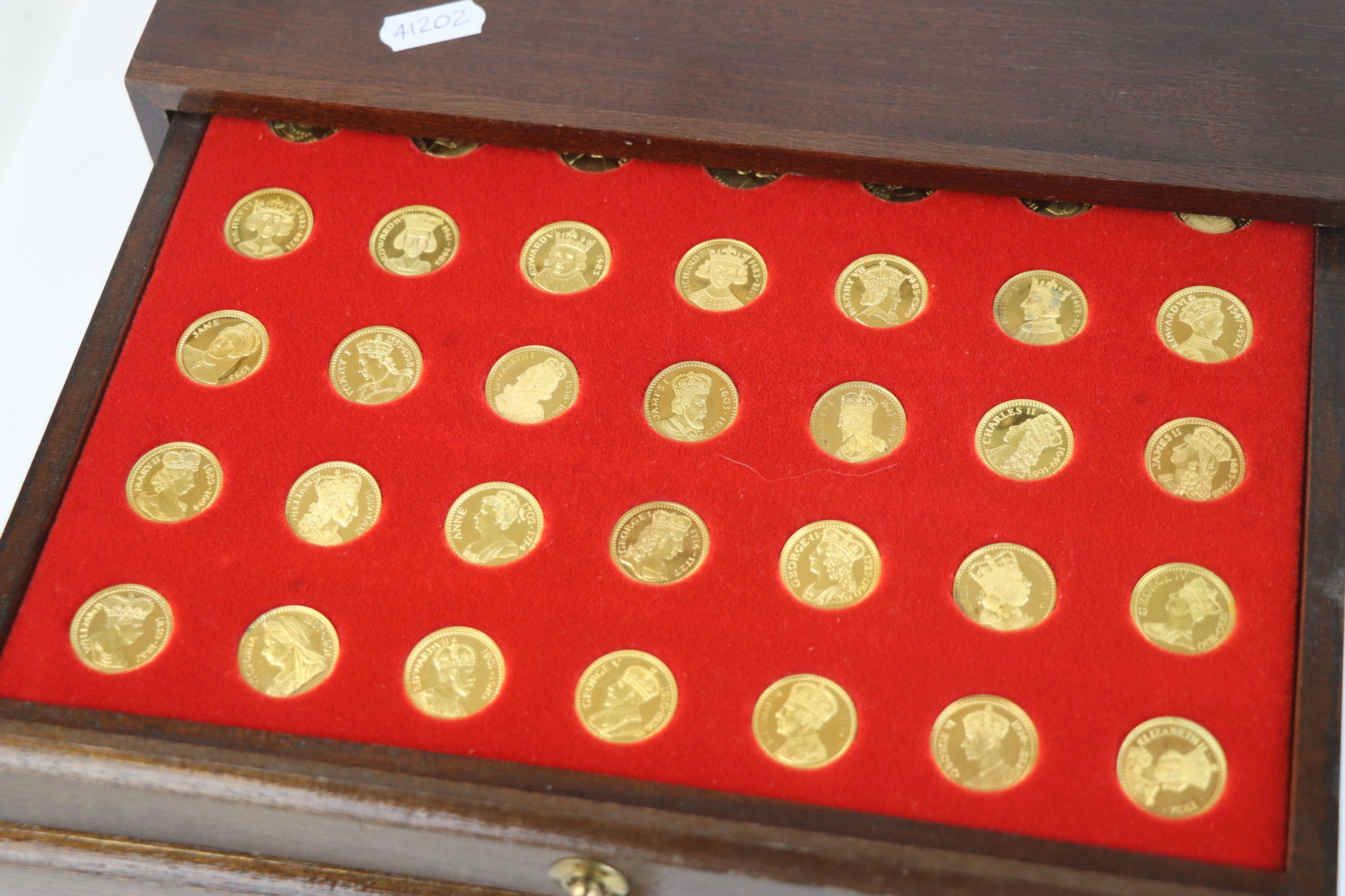 """A """"Our Royal Sovereigns"""" collection of seventy medals portraying the complete line of monarchs - Image 5 of 6"""