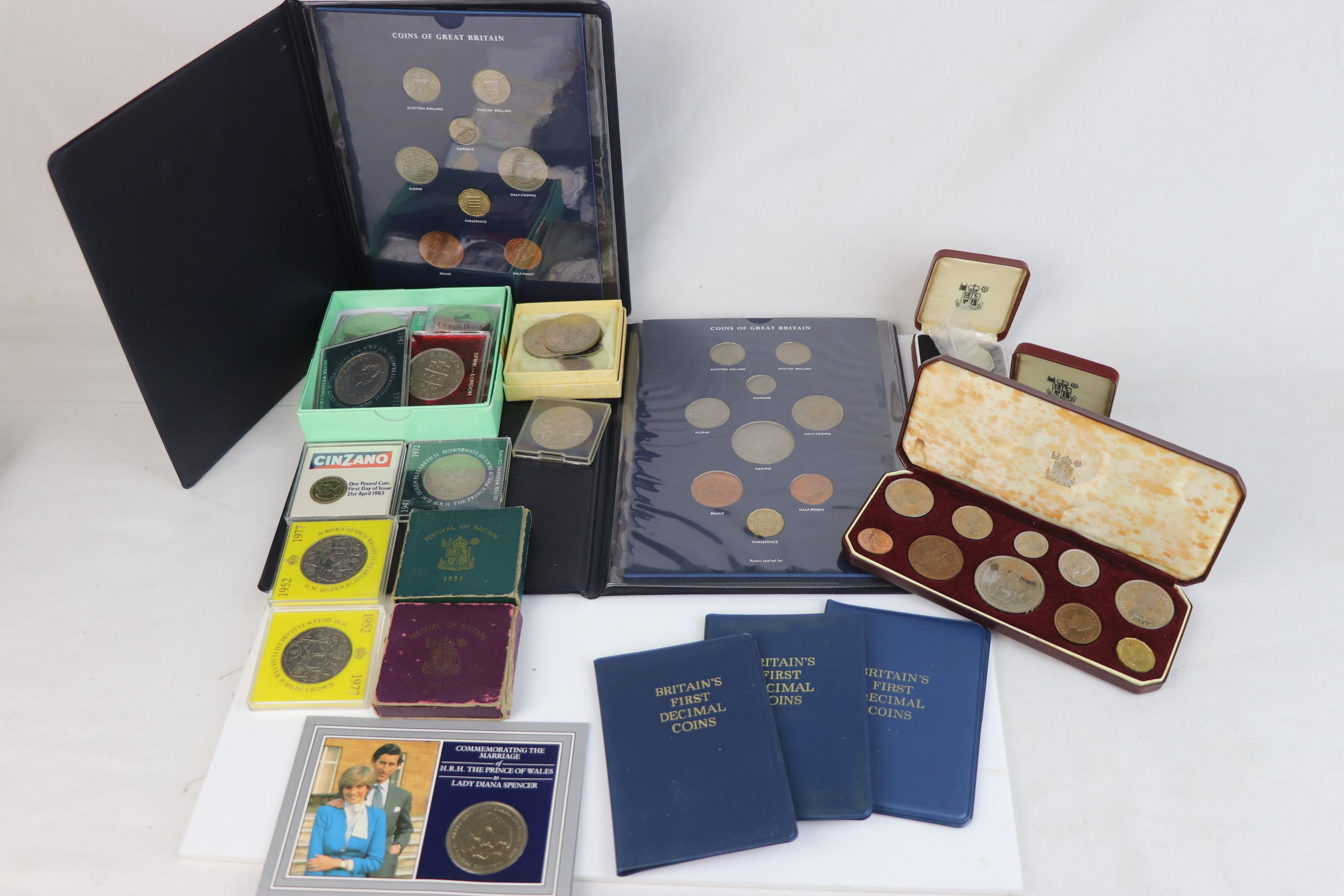 A collection of mainly British coins to include a cased 1953 Royal Mint 1953 coin set, a 1970