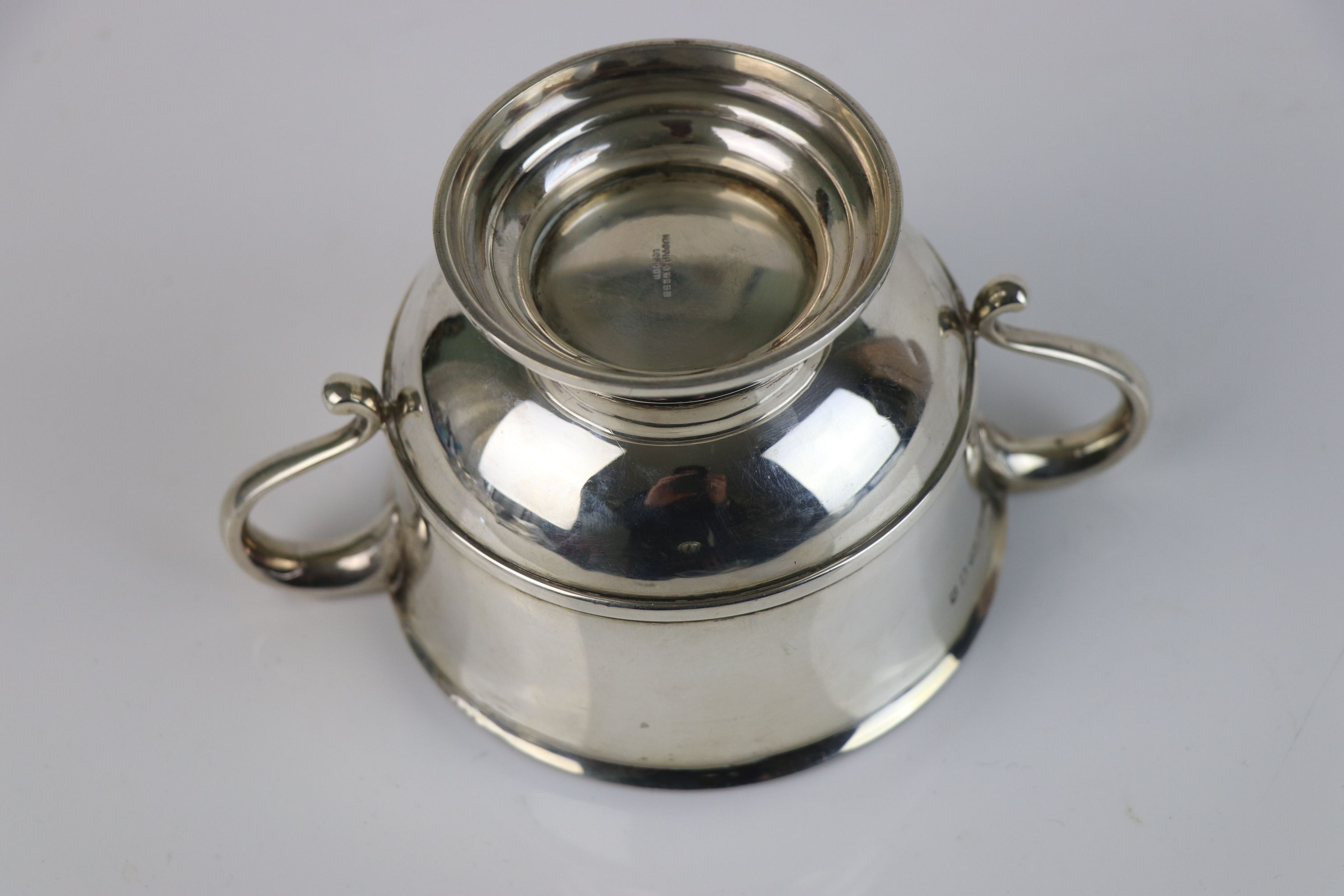 A fully hallmarked sterling silver porringer, maker marked for Mappin & Webb, assay marked for - Image 4 of 5