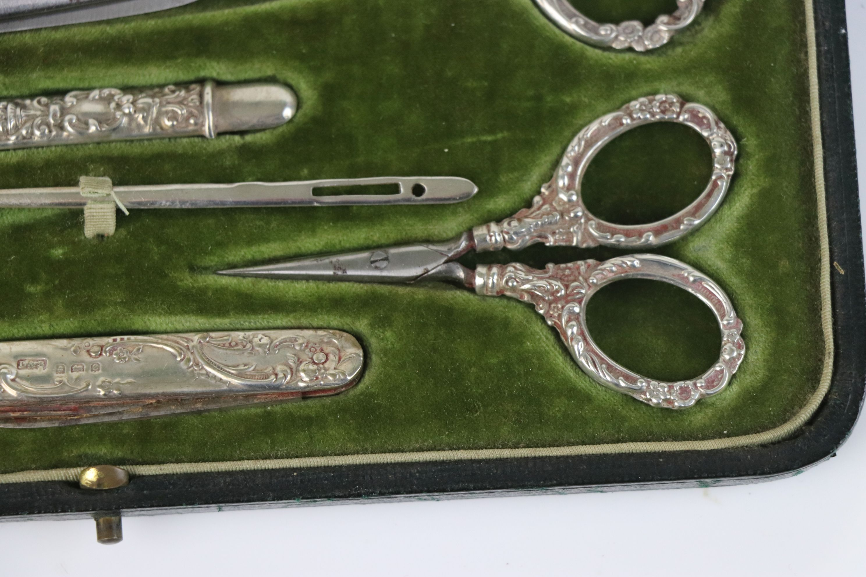 A fully hallmarked sterling silver cased sewing set, maker marked for Levi & Salaman, assay marked - Image 5 of 8
