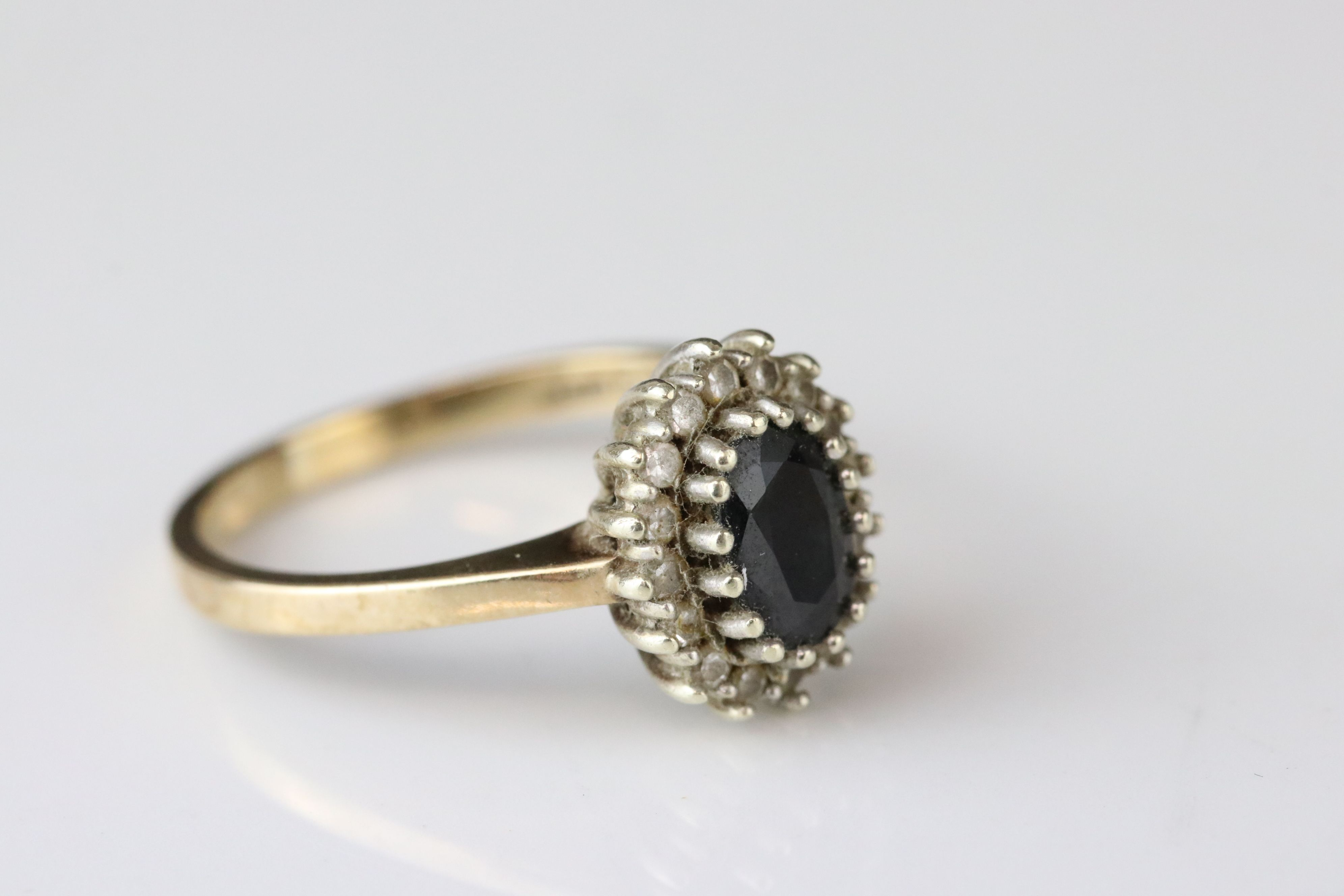 Sapphire 9ct yellow gold cluster ring, together with black sapphire and white stone 9ct yellow - Image 4 of 5