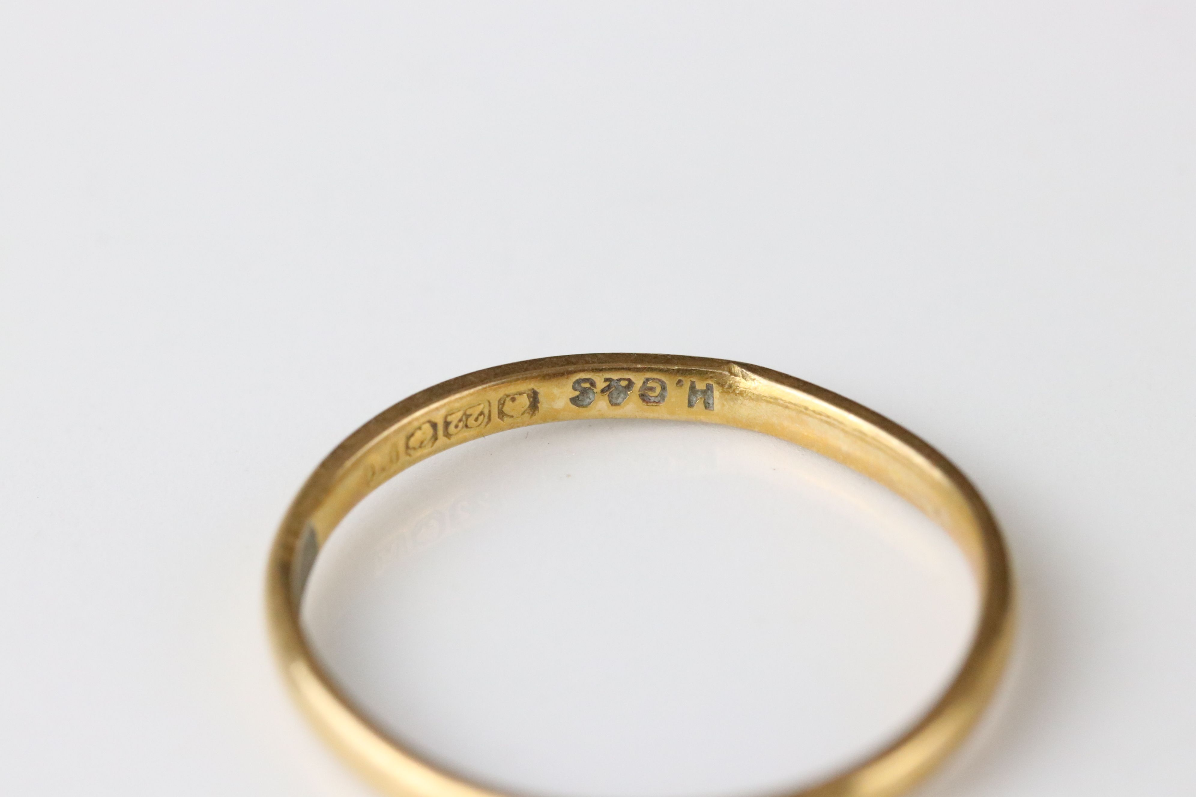 22ct yellow gold wedding band, width approx 1.5mm, ring size L - Image 2 of 3