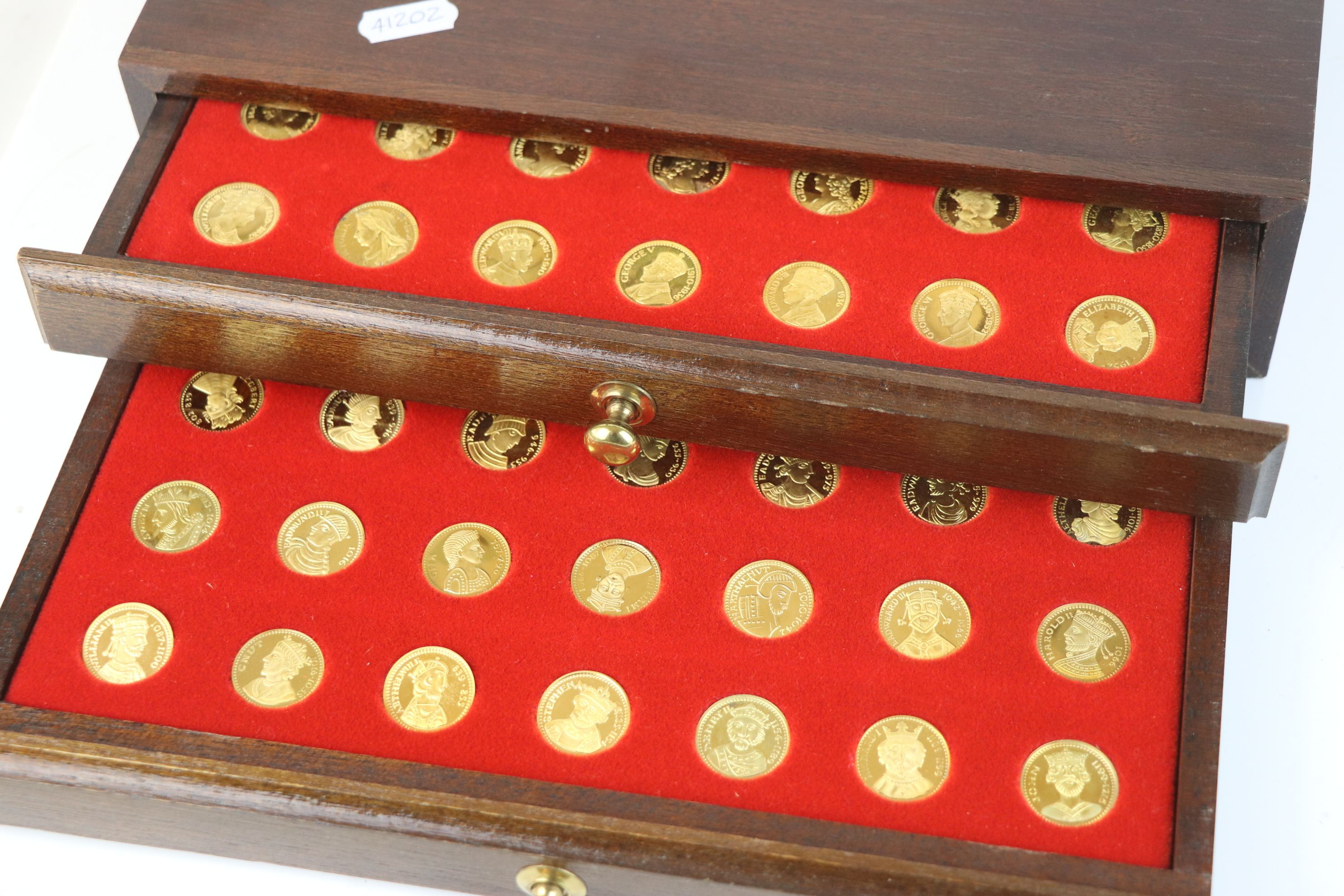 """A """"Our Royal Sovereigns"""" collection of seventy medals portraying the complete line of monarchs - Image 4 of 6"""